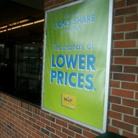 Photo taken at Food Lion Grocery Store by Jonathan M. on 4/29/2013