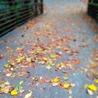 Das Foto wurde bei Chastain Park Walking Path von Colleen H. am 10/28/2012 aufgenommen