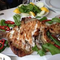 4/7/2013 tarihinde Hakan Y.ziyaretçi tarafından Olta Balık Restaurant'de çekilen fotoğraf