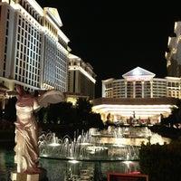 Foto diambil di Caesars Palace Hotel & Casino oleh Nadya pada 5/23/2013