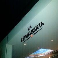 Photo taken at La Republiqueta by Carlos R. on 9/6/2013