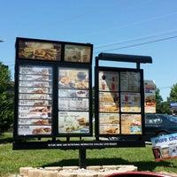Photo taken at Burger King by LaMont'e B. on 5/31/2014