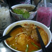 "Photo taken at Pak Hailam Kopitiam by ""̮♡ ∂ЛЛ∂ ♡""̮ on 2/1/2013"