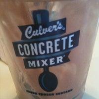 Foto tomada en Culver's por Mitzi G. el 10/6/2012