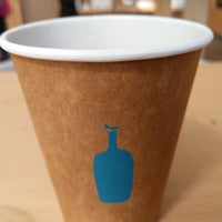 Foto tirada no(a) Blue Bottle Coffee por Alvin em 7/7/2018