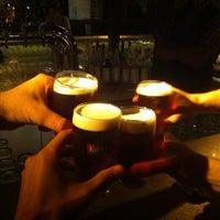 7/6/2014 tarihinde Anuar t.ziyaretçi tarafından Yard House Pub'de çekilen fotoğraf