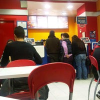 Photo taken at Domino's Pizza by Jordi A. on 3/29/2013