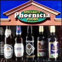 Photo prise au Phoenicia Specialty Foods par Leprechaun Cider Company le9/26/2012