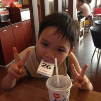 Photo taken at Lotteria Van Thanh by Anh P. on 5/5/2013