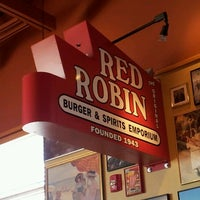 Photo taken at Red Robin Gourmet Burgers by Seanaci L. on 1/31/2013