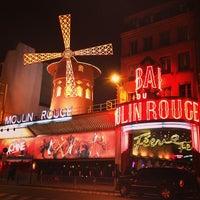 Das Foto wurde bei Moulin Rouge von Virginia Y. am 3/24/2013 aufgenommen