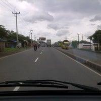 Photo taken at Jl Pantura Perbatasan Subang_Karawang by Indah B. on 2/21/2013