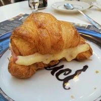 Foto tirada no(a) Press Café por Miguel M. em 11/13/2012