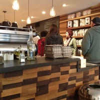 Foto scattata a Irving Farm Coffee Roasters da Guy S. il 10/7/2012