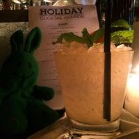 7/3/2015 tarihinde greenie m.ziyaretçi tarafından Holiday Cocktail Lounge'de çekilen fotoğraf