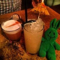5/24/2015 tarihinde greenie m.ziyaretçi tarafından Holiday Cocktail Lounge'de çekilen fotoğraf