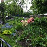Foto scattata a Riverside Park - 91st Street Garden da Leigh S. il 5/19/2013