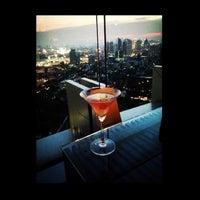 Foto scattata a Octave Rooftop Lounge & Bar da Rin M. il 4/22/2013
