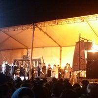 Photo taken at Parque Oscar Chocano by Gary P. on 8/16/2013