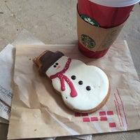 Photo taken at Starbucks by Camilo P. on 12/15/2014