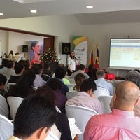 รูปภาพถ่ายที่ Hotel San Martín โดย Sindy P. เมื่อ 12/5/2012