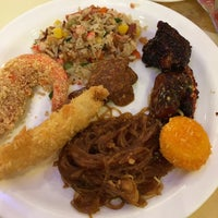 Photo taken at Vienna International Seafood & Teppanyaki Buffet Restaurant by Maine C. on 11/15/2016
