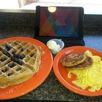 4/12/2014 tarihinde Orlando D.ziyaretçi tarafından U Street Café'de çekilen fotoğraf