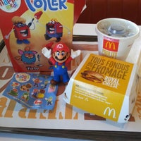Photo taken at McDonald's by Ka0nashi 🎀 Vero on 12/2/2013