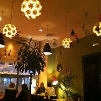 Foto tirada no(a) Cafe King Pong por Zmeeva N. em 1/22/2013