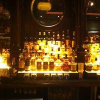 Das Foto wurde bei Rí Rá Irish Pub von Emily J. am 3/29/2014 aufgenommen