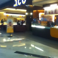 Photo taken at J.Co Donuts & Coffee by Yoike H. on 12/31/2013