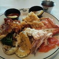 11/17/2012 tarihinde Estella P.ziyaretçi tarafından Salty's on Alki'de çekilen fotoğraf