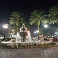 Foto tirada no(a) Plaza Venezia por Frank C. em 11/25/2014