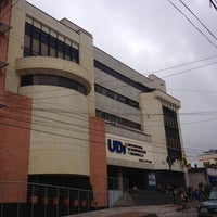 Photo taken at Universitaria de Investigación y Desarrollo UDI by Andrés M. on 11/21/2013