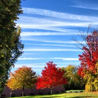 Foto tirada no(a) West Bloomfield Township Public Library por Don J. em 10/12/2012