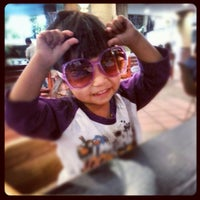Photo taken at The Coffee Bean & Tea Leaf by HajiDonEddie A. on 10/21/2012