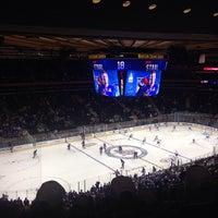 Foto scattata a Madison Square Garden da charles m. il 10/28/2013