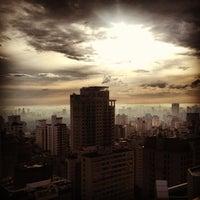 Foto tirada no(a) Transamerica Prime International Plaza por Victor F. em 10/20/2012