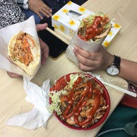 Photo taken at モーゼスさんのケバブ Doner Kebab by Nor A. on 11/1/2016