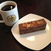Снимок сделан в Traveler's Coffee пользователем Аленка К. 3/23/2013