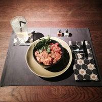 Foto tirada no(a) Commune Bar & Resto por Belda F. em 11/27/2014