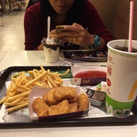 Photo taken at McDonald's by Amoy on 10/21/2016