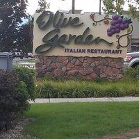 Photo taken at Olive Garden by Jen W. on 8/9/2013