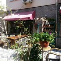 3/31/2013 tarihinde Yesariziyaretçi tarafından Cafe Botanica'de çekilen fotoğraf