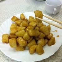 Снимок сделан в Лу Сюнь / 路讯餐厅 пользователем Anastasia K. 10/17/2012