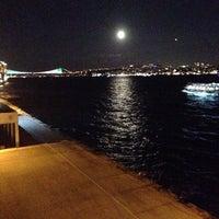 10/19/2013 tarihinde ilyas K.ziyaretçi tarafından Fosil Karaköy'de çekilen fotoğraf