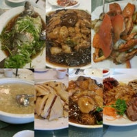 Photo taken at Golden Times Chinese Restaurant by Tastychopsticks on 2/21/2016