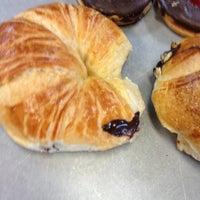 Foto tomada en Croissants Alfredo por Luizo V. el 12/21/2012