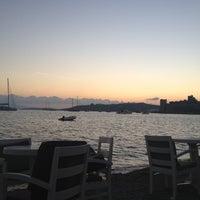 10/26/2012 tarihinde Erdem G.ziyaretçi tarafından Cafe del Mar'de çekilen fotoğraf