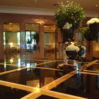 Foto scattata a Four Seasons Hotel Boston da Cameron S. il 7/29/2013